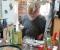 Elke sorgt mit fürs Leibliche Wohl - Kunst- und Kräuterhof Posterstein