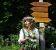 Kräuterfrau Susanne mit Johanniskraut