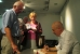 Sergej Lochthofen signiert sein Buch und kommt mit Gästen ins Gespräch
