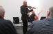 Cornelius Hermann (Cello) und Peter Wiegand (Violine) umrahmen die Veranstaltung mit munterem Spiel auf ihren Instrumenten